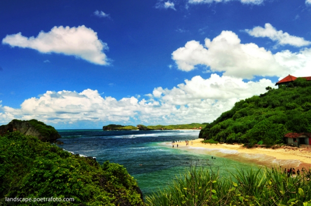 https://more102.files.wordpress.com/2013/05/7d1a1-foto-pantai-sundak-beach-landscape-gunung-kidul-wonosari-jogja.jpg